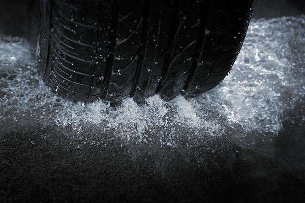 pneu na chuva