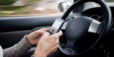 dirigir-com-celular