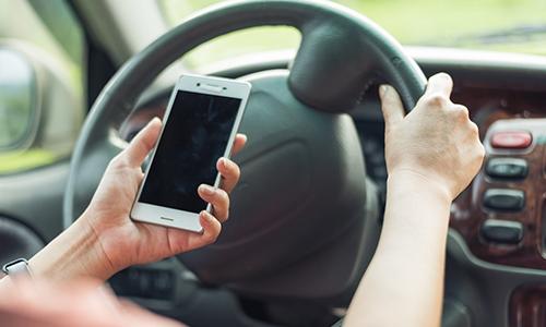 dirigindo-com-o-celular