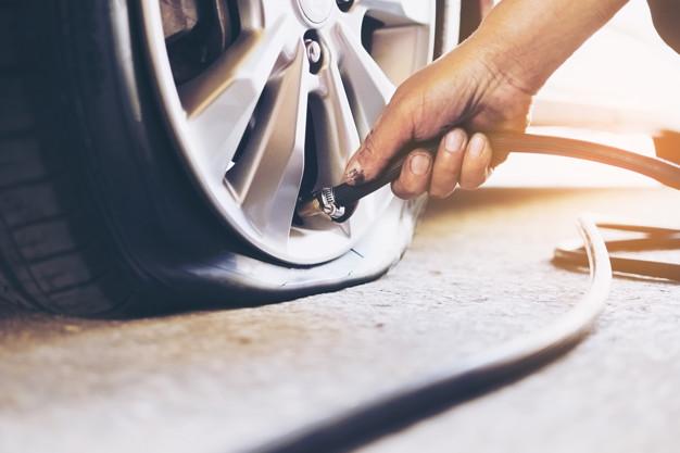 Cuidados com os pneus ao estacionar