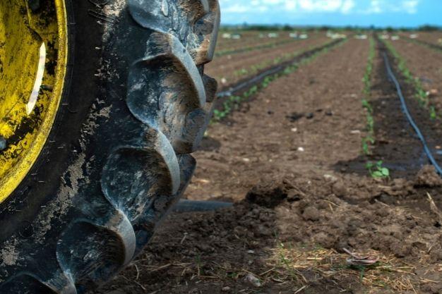pneus para tratores agrícolas